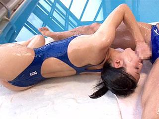 瀧川花音 競泳水着 完全着衣 ローション